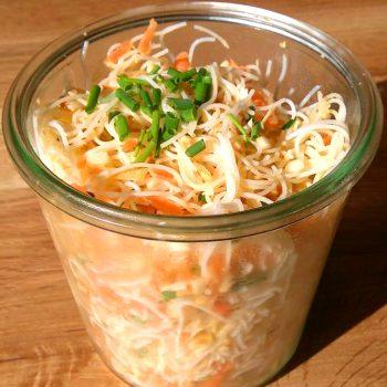 Salade de vermicelles de riz & cacahuètes à l'asiatique vegan sans gluten